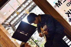 電吉他教學老師表演